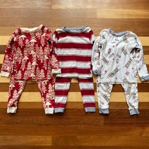 3 Burt's Bee Baby cotton pajamas sets